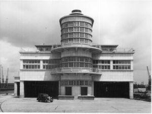 (Southampton's 1950 Ocean Terminal)