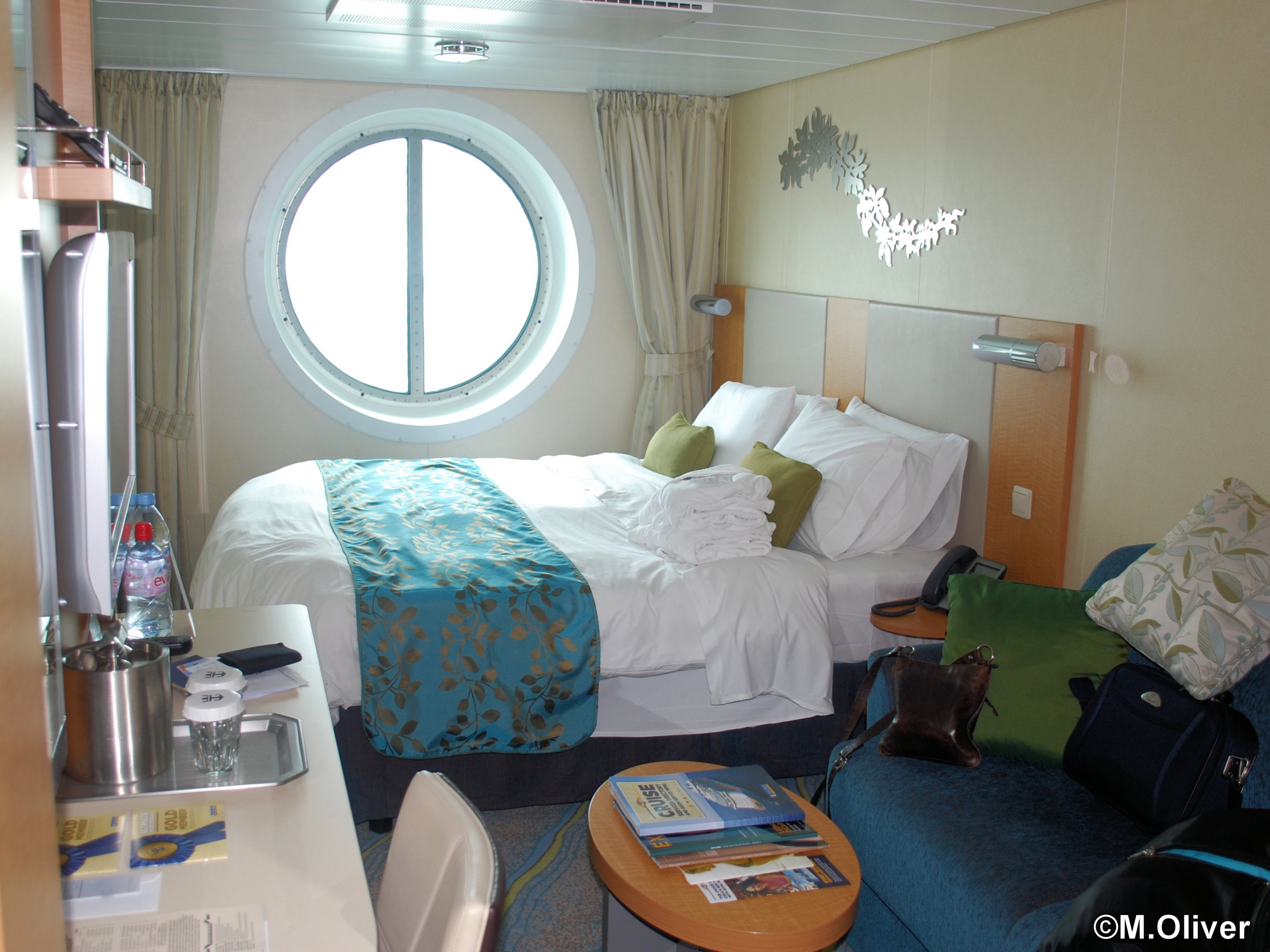 Oasis of the seas ship review malcolm oliver 39 s waterworld for Oasis of the seas cabin