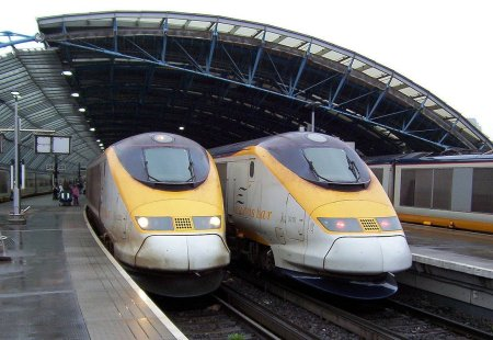1280px-Eurostars_at_waterloo_international