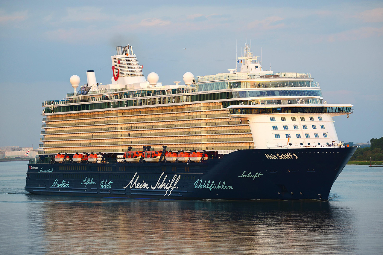 thomson discovery malcolm oliver s cruise blog