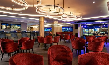 The Skyline Bar (Courtesy NCL)