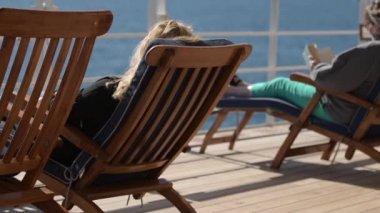 depositphotos_183559724-stock-video-sea-travel-cruise-ship-relax